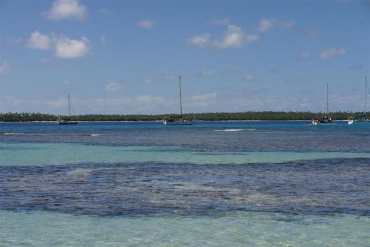 Perfect Tongan Anchorage 2006