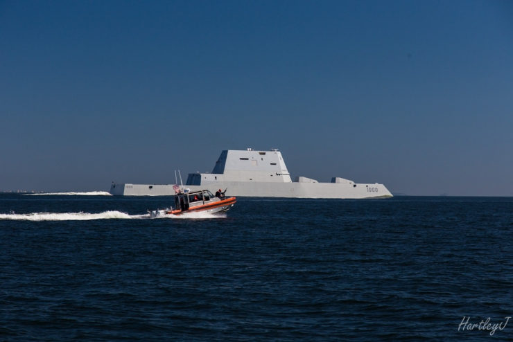 Ddg-1000 Going By (fast!)