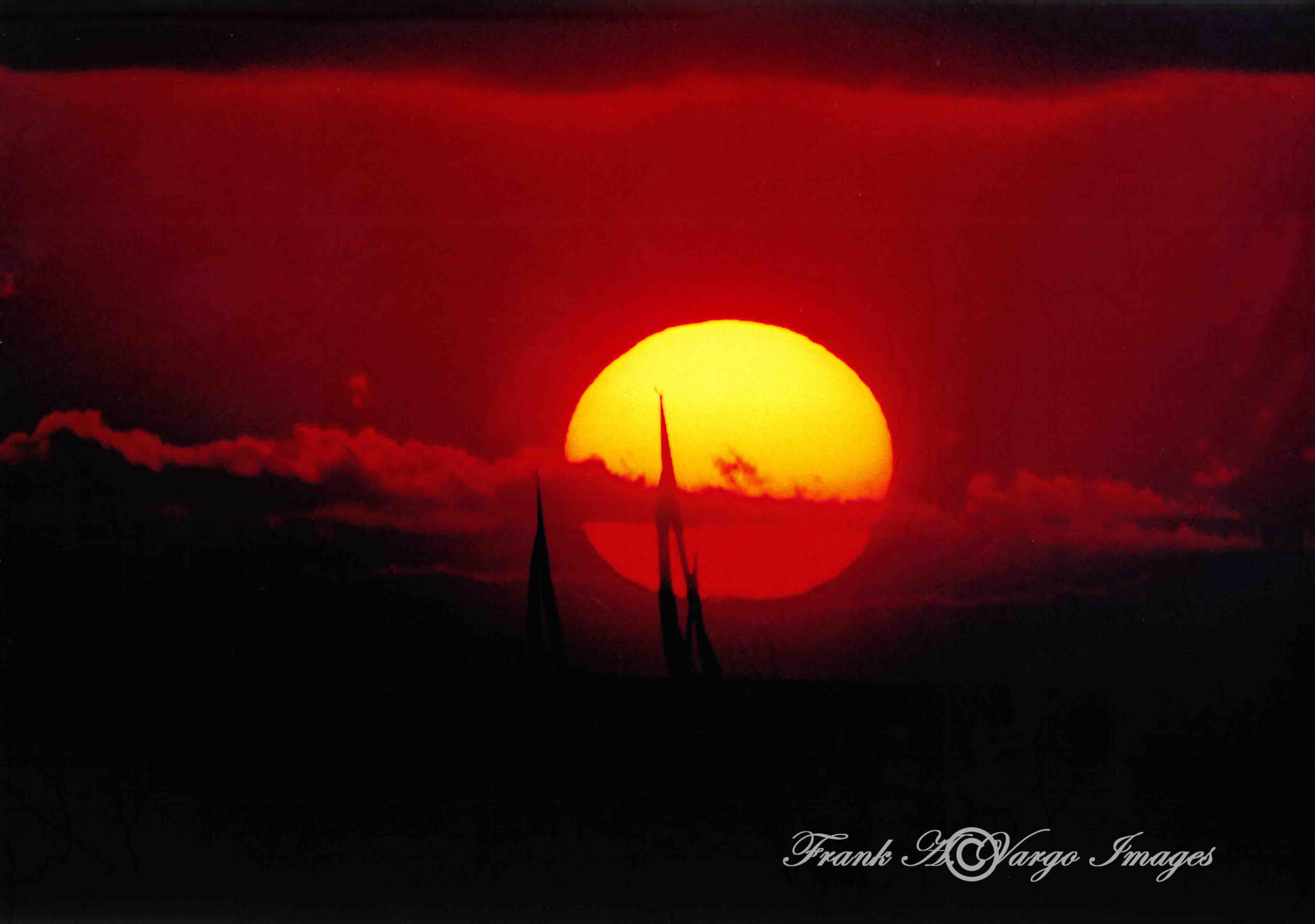 Hawaiian Sunset By Ala Moana Park