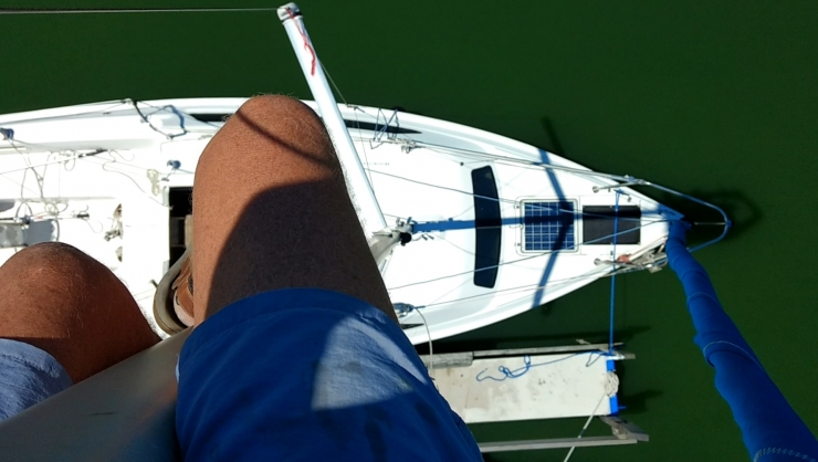 06 Ir Foredeck From Above
