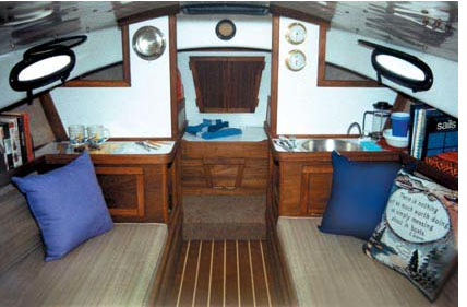 Click image for larger version  Name:Com-Pac Horizon Cat cabin.png Views:79 Size:234.6 KB ID:101876