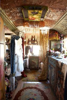 Click image for larger version  Name:Gypsy Van Interior 5.jpg Views:77 Size:25.3 KB ID:102090