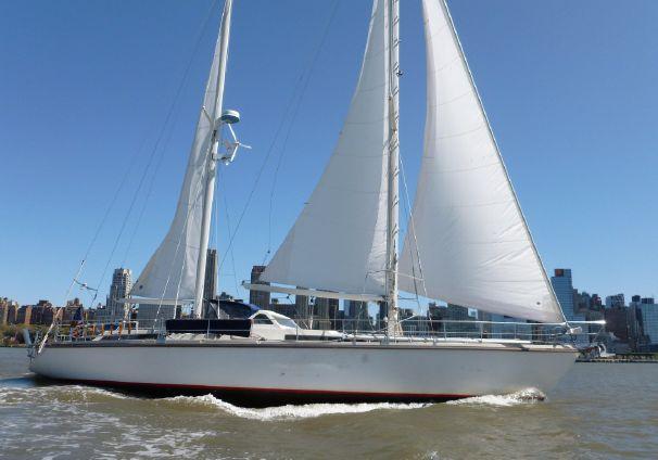Click image for larger version  Name:Amel SuperMaramu 53 1993 $249 USA sailing.jpg Views:143 Size:33.9 KB ID:103152