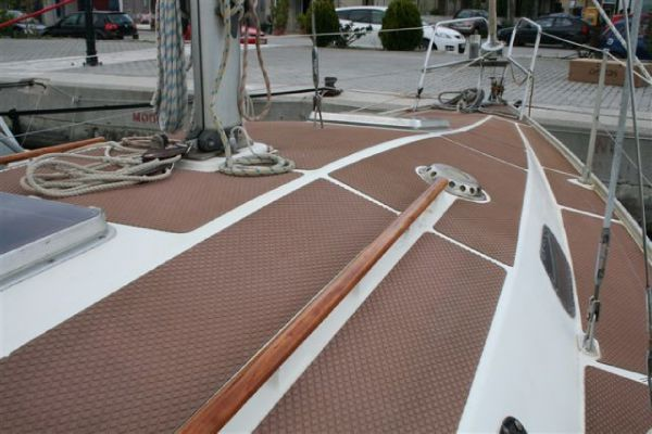 Click image for larger version  Name:Deck nonskid Treadmaster brown deck.jpg Views:194 Size:45.5 KB ID:103489