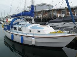 Click image for larger version  Name:Westerly Centaur 26ft 1979 $17K Dock.jpg Views:302 Size:48.7 KB ID:103934
