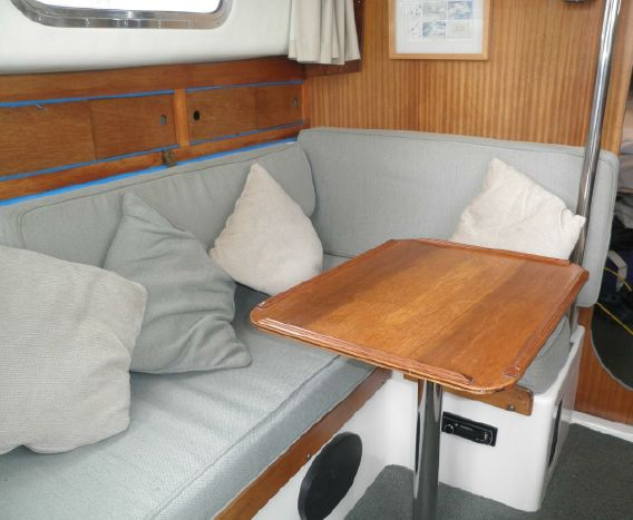 Click image for larger version  Name:Westerly Centaur 26ft 1979 $17K settee.jpg Views:191 Size:39.8 KB ID:103938