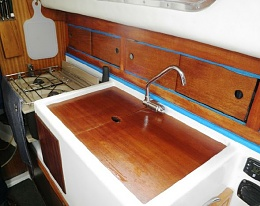Click image for larger version  Name:Westerly Centaur 26ft 1979 $17K galley.jpg Views:266 Size:46.2 KB ID:103939