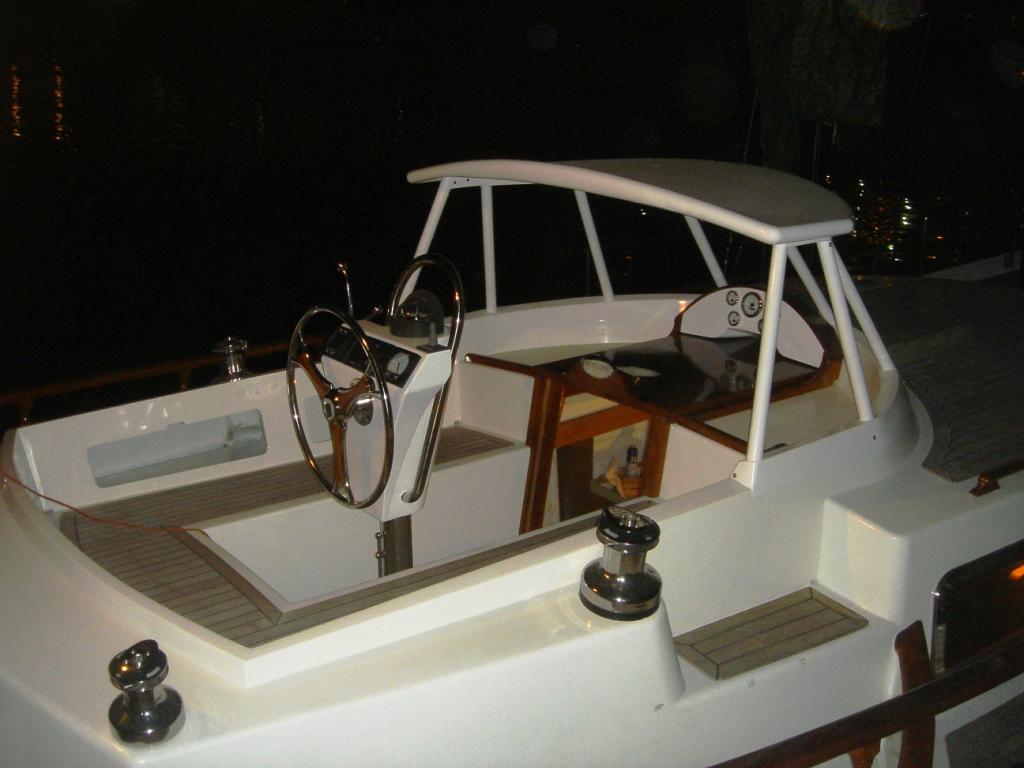 Click image for larger version  Name:cockpit2.JPG Views:185 Size:301.6 KB ID:10405