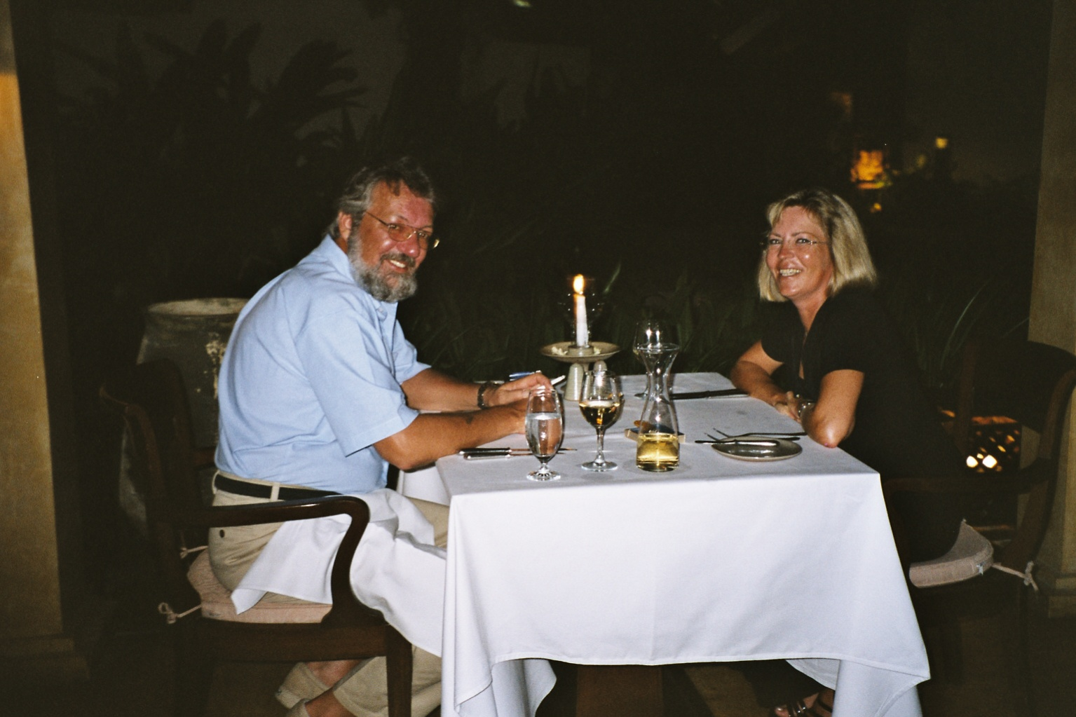 Click image for larger version  Name:Dinner Ashore.jpg Views:107 Size:343.5 KB ID:105446