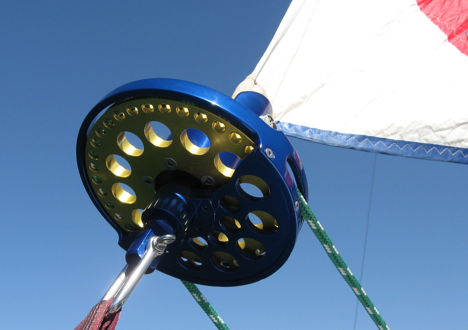Click image for larger version  Name:CN5%20with%20sail.jpg Views:126 Size:363.7 KB ID:10552