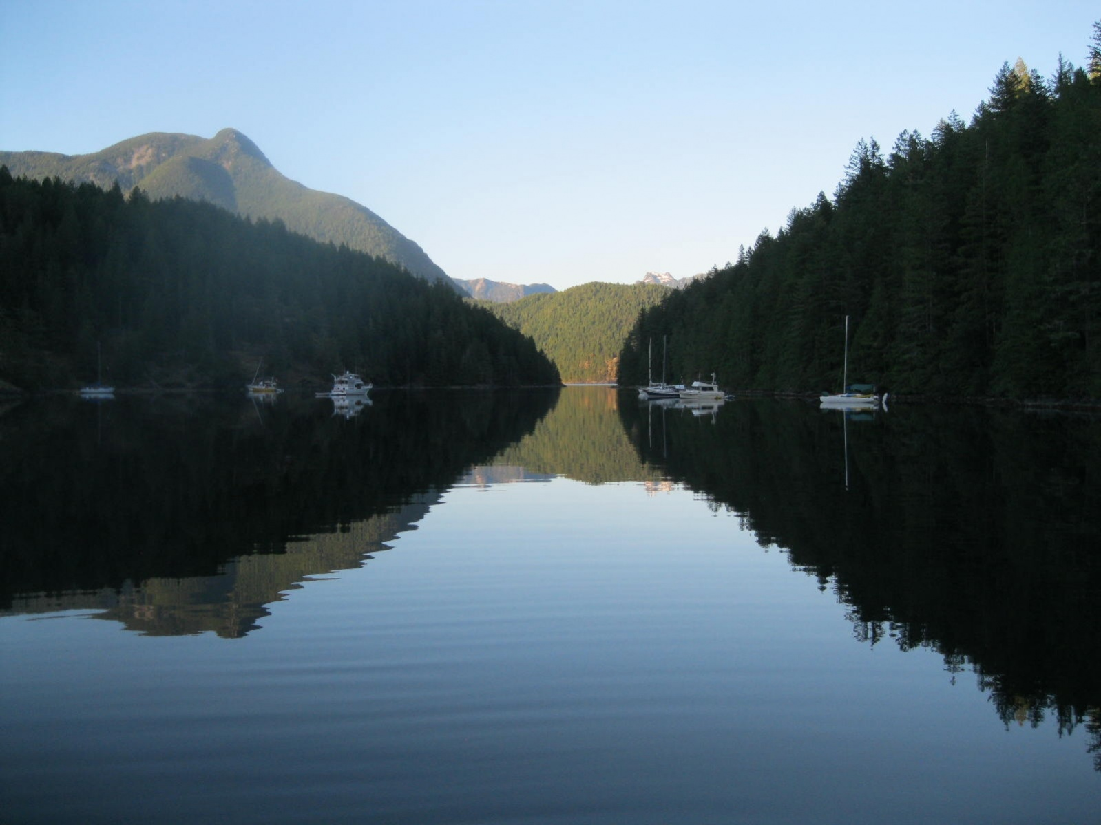 Click image for larger version  Name:Roscoe Bay 001.jpg Views:94 Size:278.6 KB ID:105544