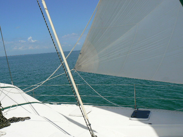 Click image for larger version  Name:spinnaker 009.jpg Views:262 Size:101.3 KB ID:10560