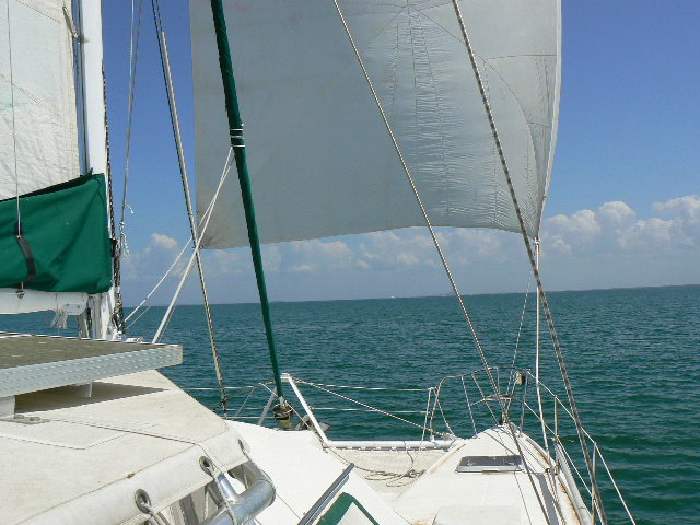 Click image for larger version  Name:spinnaker 010.jpg Views:262 Size:98.9 KB ID:10561