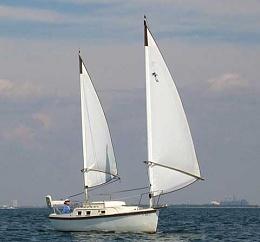 Click image for larger version  Name:Beachcomber 25 1982 Sailing.jpg Views:2076 Size:13.3 KB ID:106248