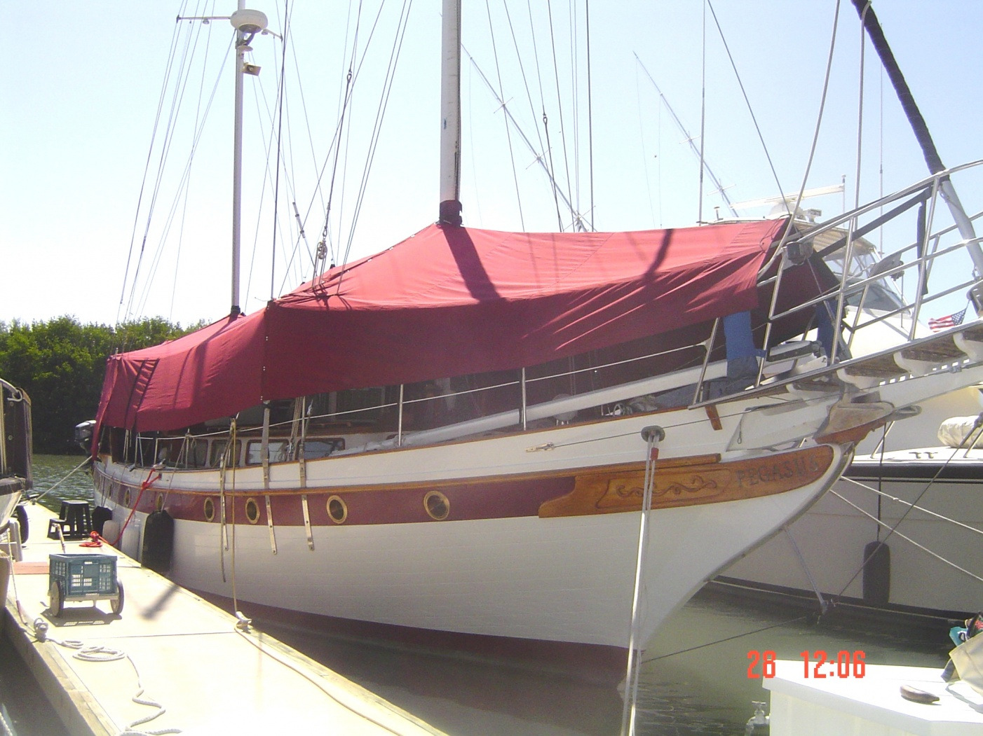 Click image for larger version  Name:boat cover.jpg Views:196 Size:421.9 KB ID:10680