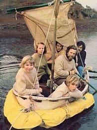 Click image for larger version  Name:Dougal Robertson Family in 10 foot Dinghy.jpg Views:815 Size:19.2 KB ID:106947