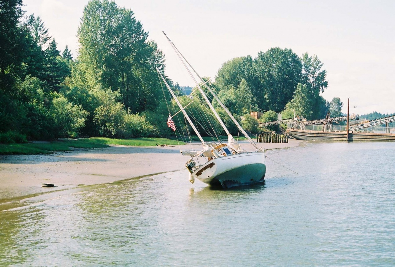 Click image for larger version  Name:Beached.jpg Views:87 Size:448.9 KB ID:106971