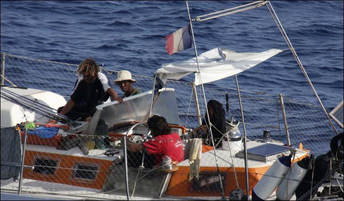 Click image for larger version  Name:Florent Lemaçon & Pirates.jpg Views:289 Size:58.9 KB ID:10726