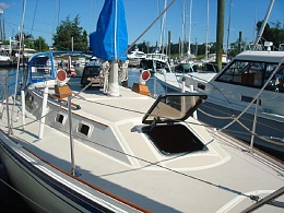 Click image for larger version  Name:Oday 35 1985 $30K deck.jpg Views:767 Size:122.7 KB ID:108250
