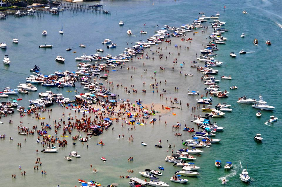 Click image for larger version  Name:Sand Bar Party 1.jpg Views:70 Size:173.9 KB ID:108264