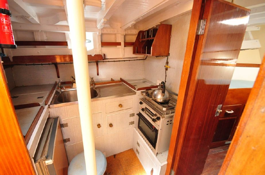 Click image for larger version  Name:Spey Motorsailor 35 1966 Galley.jpg Views:153 Size:90.8 KB ID:108580