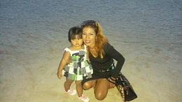 Click image for larger version  Name:lisa and Kitty my 2 year old.jpg Views:221 Size:241.0 KB ID:108657