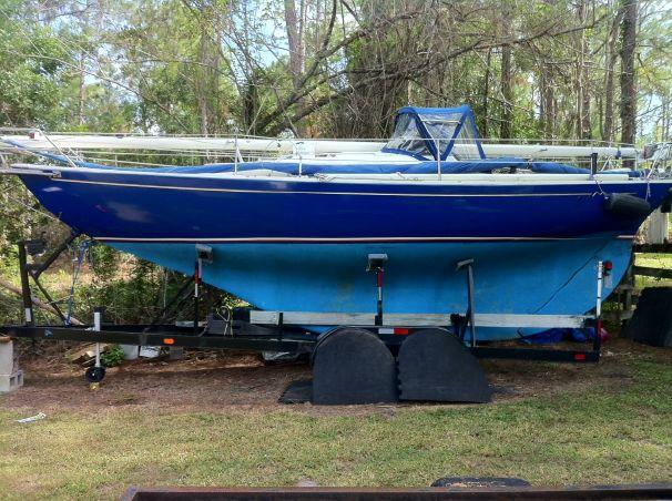 Click image for larger version  Name:Folkboat BLUE on trailer.jpg Views:336 Size:80.1 KB ID:109192