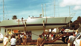 Click image for larger version  Name:Swuzzlebubble III launching RBsailing.jpg Views:83 Size:87.9 KB ID:109226