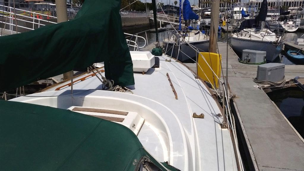 Click image for larger version  Name:5-15 starboard bow 2 .jpg Views:675 Size:95.5 KB ID:109272