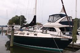 Click image for larger version  Name:Seidelmann 37 Sloop 1980 $30K dock bow.jpg Views:489 Size:82.0 KB ID:109733