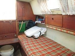 Click image for larger version  Name:Marieholm Folkboat 26 1976 $2K salon3.jpg Views:512 Size:327.6 KB ID:109746