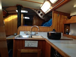 Click image for larger version  Name:Ericson 37 Flush Deck 1975 $14K CL Galley.jpg Views:349 Size:31.9 KB ID:110327