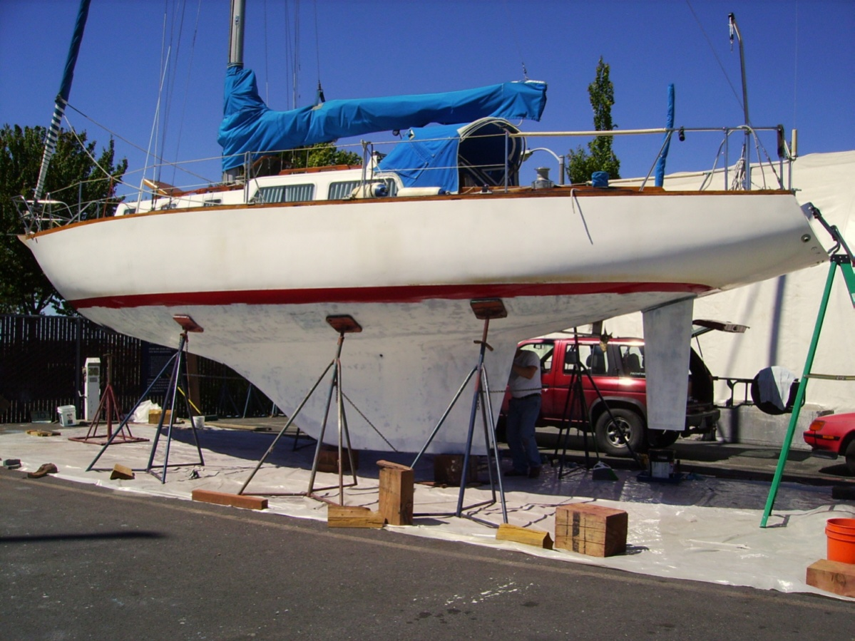Click image for larger version  Name:epoxied hull.jpg Views:101 Size:332.5 KB ID:11033