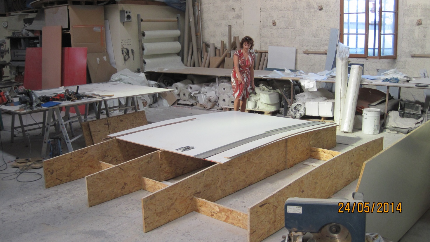 Click image for larger version  Name:Bimini Construction du moule 24-5-14.jpg Views:90 Size:404.1 KB ID:110614