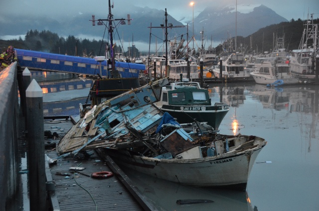 Click image for larger version  Name:boat-explosion.jpg Views:76 Size:115.8 KB ID:110787