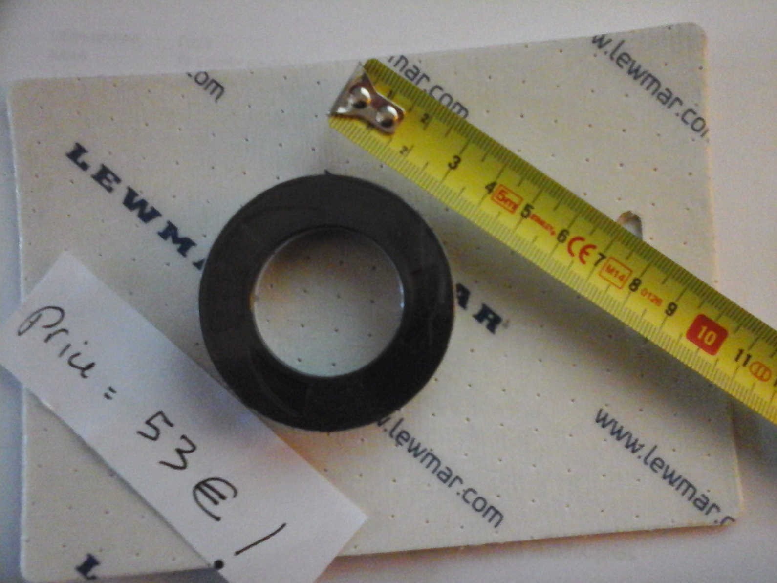 Click image for larger version  Name:Lewmar plastic nut 53 €.jpg Views:108 Size:402.7 KB ID:110823