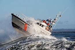 Click image for larger version  Name:uscg-cresting-a-pacific-roller.jpg Views:108 Size:49.8 KB ID:111544