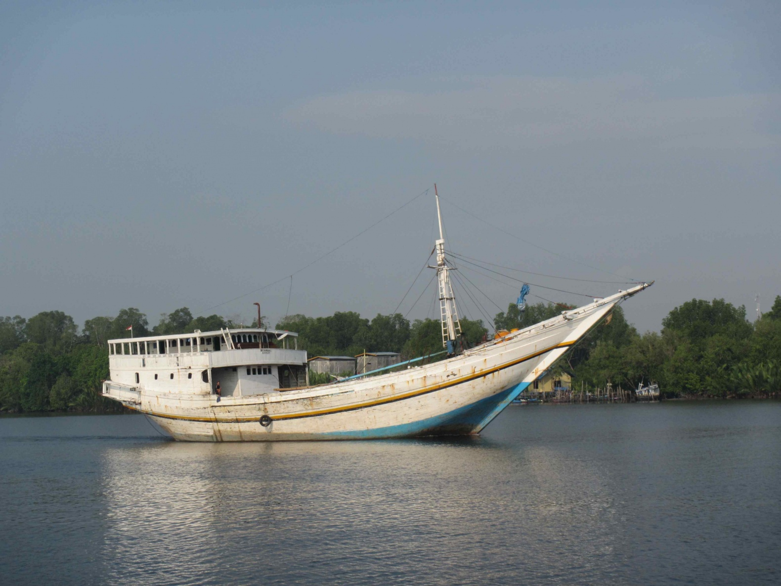 Click image for larger version  Name:Indonesian cargo vessel, Kumai.jpg Views:58 Size:418.0 KB ID:113690