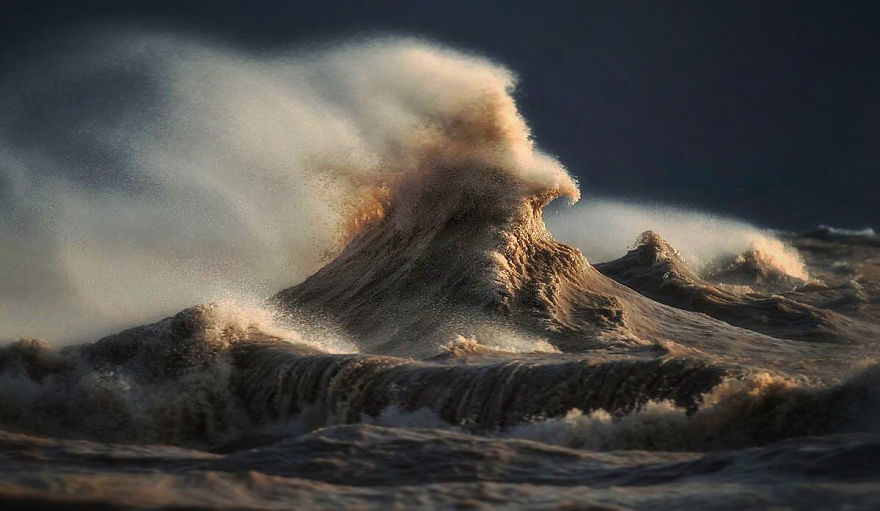 Click image for larger version  Name:the-freak-liquid-mountains-of-lake-erie-5__880.jpg Views:295 Size:69.0 KB ID:114624
