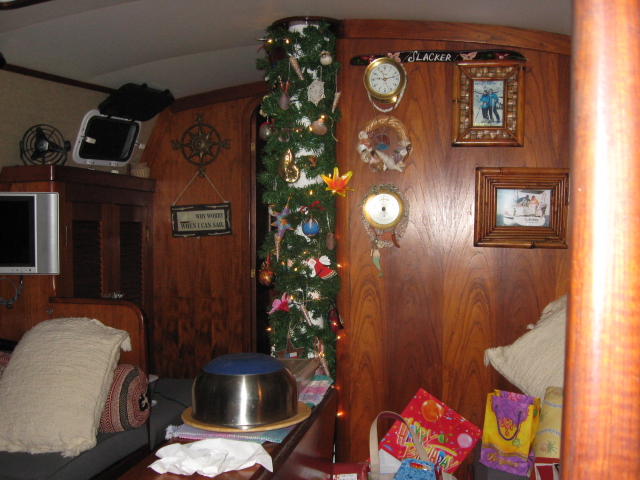 Click image for larger version  Name:Christmas in Barra 001.jpg Views:137 Size:190.1 KB ID:11505