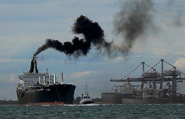 Click image for larger version  Name:ship-pollution.jpg Views:114 Size:79.3 KB ID:115062