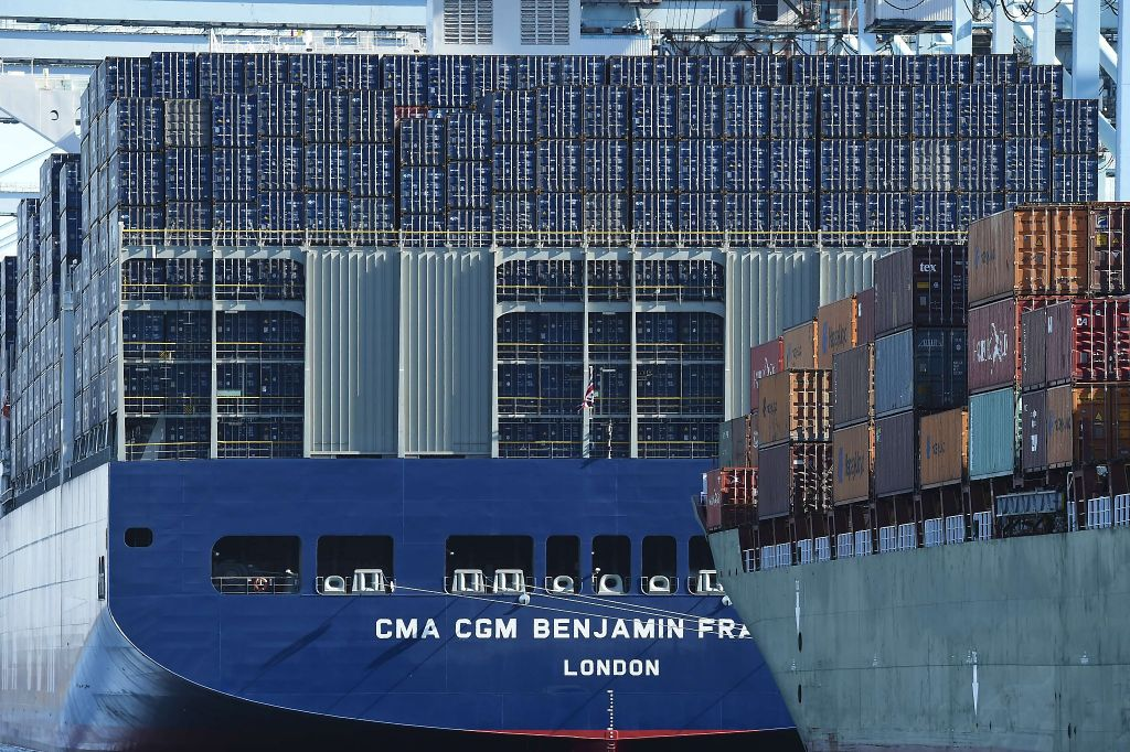 Click image for larger version  Name:Largest Container Ship in World 2.jpg Views:145 Size:195.8 KB ID:115888