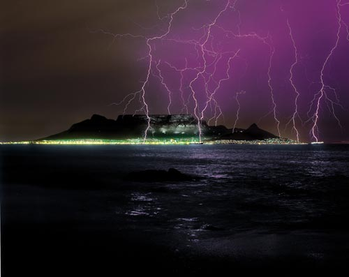 Click image for larger version  Name:Table Mountain Lightning.jpg Views:368 Size:19.3 KB ID:11626