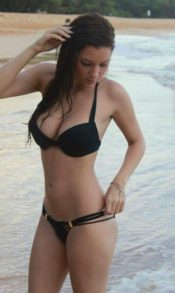Click image for larger version  Name:bikini girl.jpg Views:789 Size:58.2 KB ID:117685
