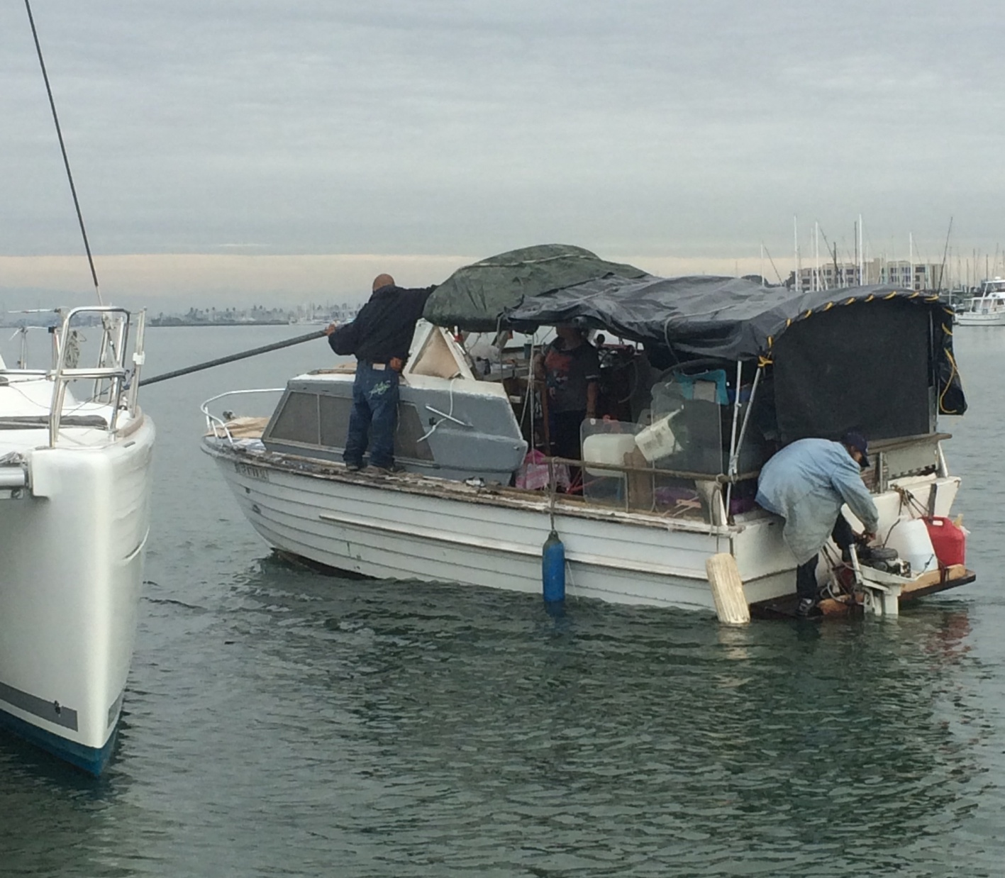 Click image for larger version  Name:Derelict Boat Raming other boats 012816.jpg Views:96 Size:425.1 KB ID:117868