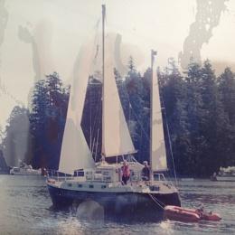 Click image for larger version  Name:Bullfrog sailing.jpg Views:1187 Size:413.4 KB ID:118050