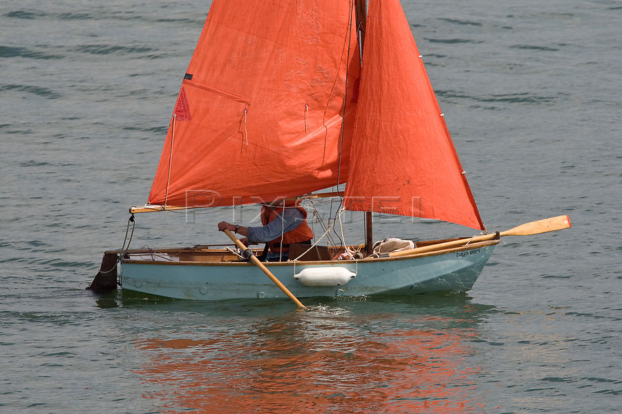 Click image for larger version  Name:mirror-dinghy-daydream-_picm3-333.jpg Views:63 Size:128.1 KB ID:120768