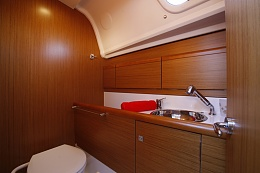 Click image for larger version  Name:boat-Sun-Odyssey_33i_20100906230116.jpg Views:186 Size:109.2 KB ID:120883
