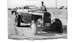 Click image for larger version  Name:boy and roadster.jpg Views:93 Size:114.0 KB ID:122468