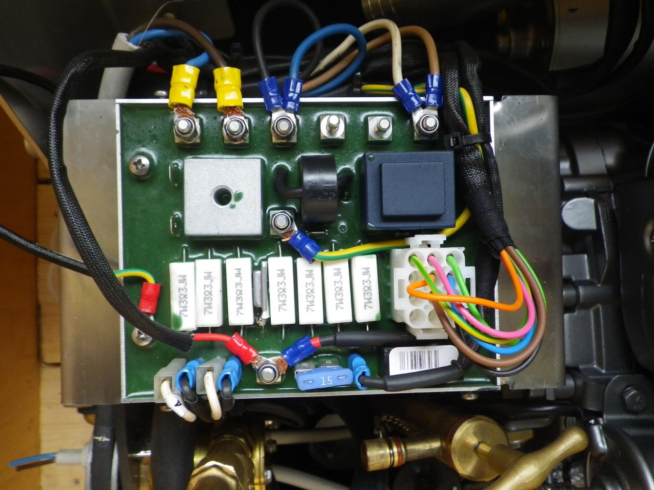 Click image for larger version  Name:LMG4000 230V wring.jpg Views:105 Size:417.0 KB ID:122516